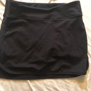 lululemon womens black short/skirt 8